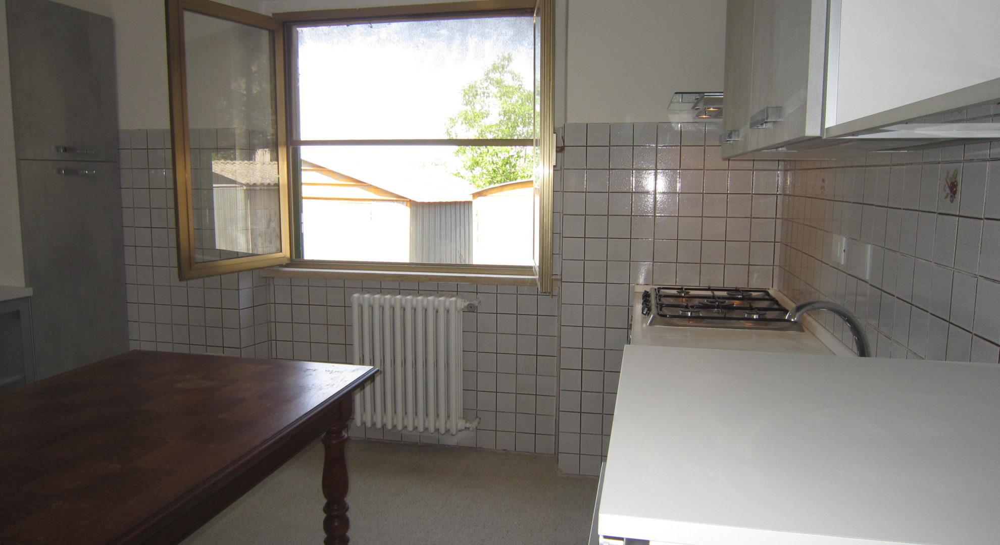 casa indipendente con spazio esterno privato