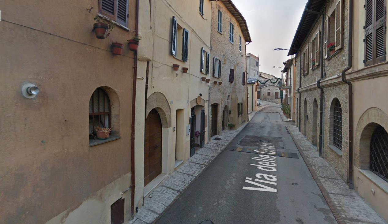 locale commerciale centro storico Montefalco