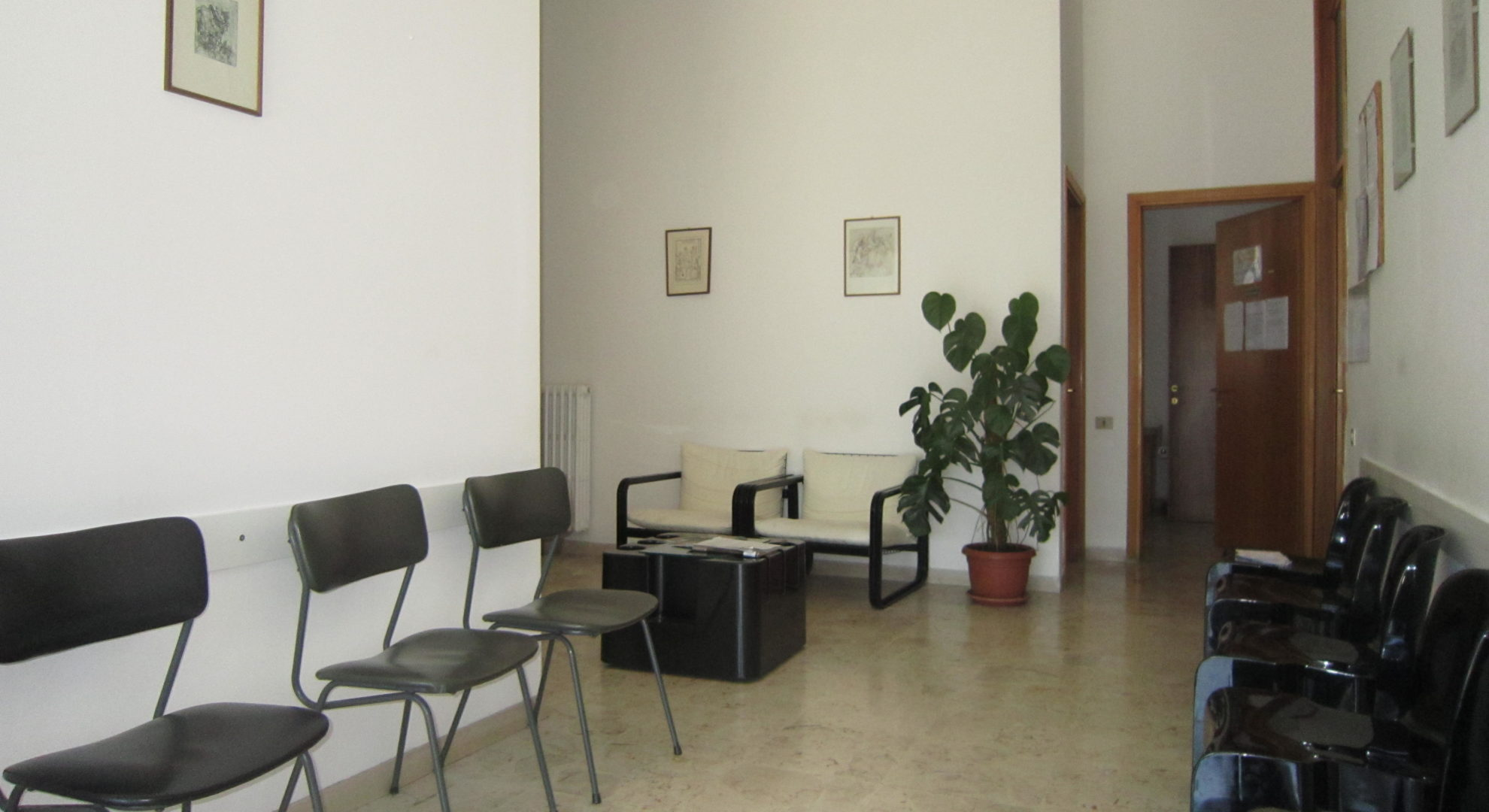 Stanza privata in studio medico condiviso