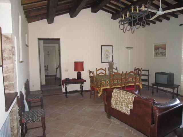 appartamento arredato centro storico con giardino privato