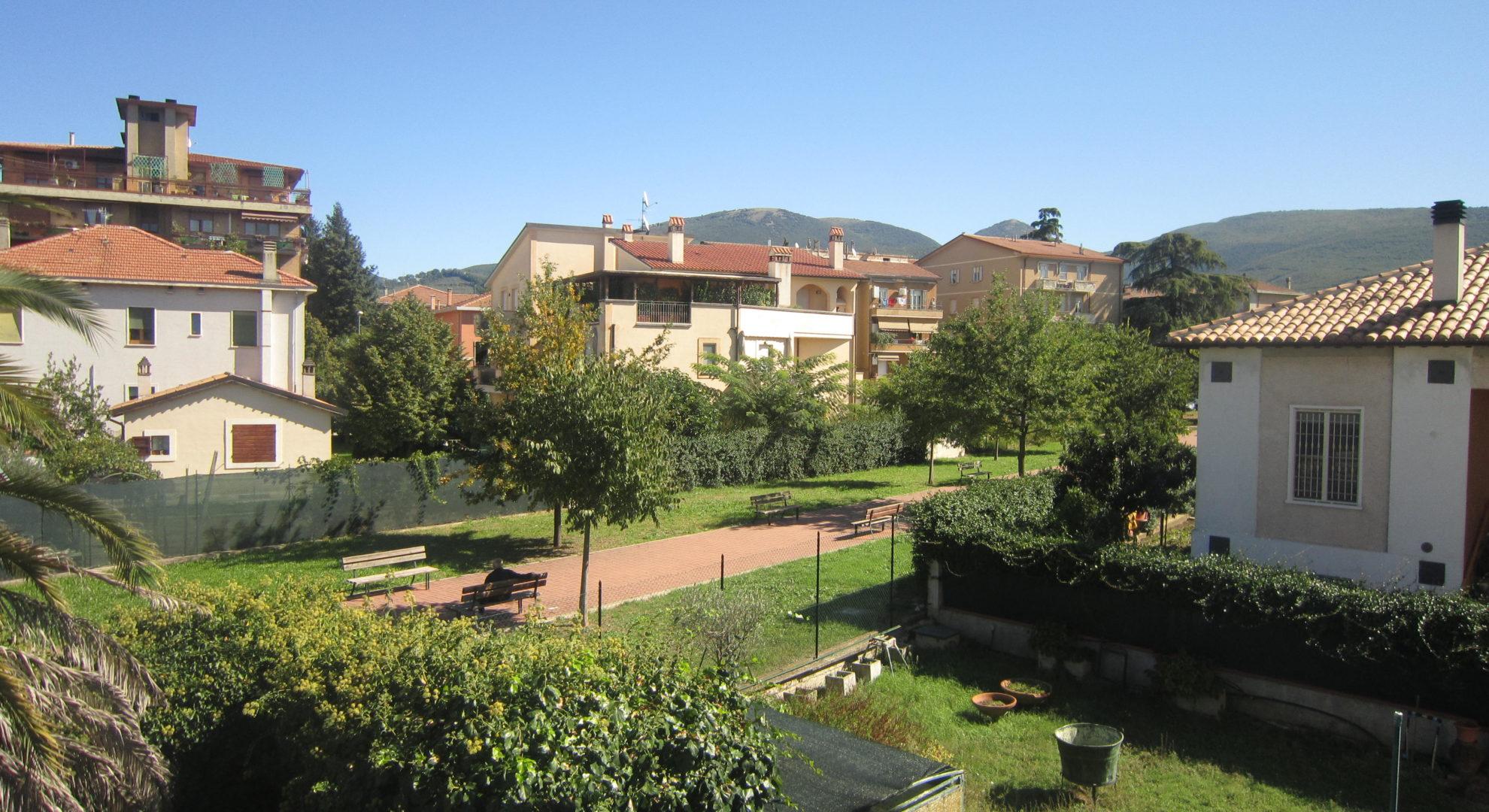 casa semindipendente zona residenziale