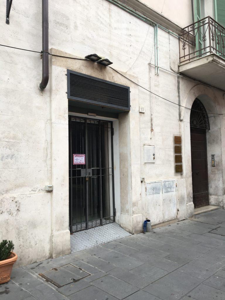 locale commerciale 55 mq vicino Corso Cavour